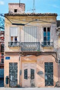 Casa del Cabanyal en la calle Josep Benlliure. // Concha Molina